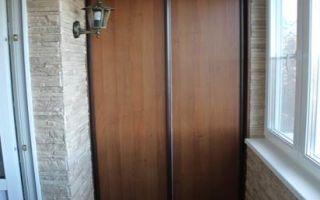 Как выбрать и собрать шкаф для лоджии или балкона