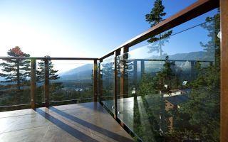 Стеклянное ограждение для балкона