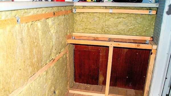 Обшиваем балкон вагонкой и утепляем минеральной ватой