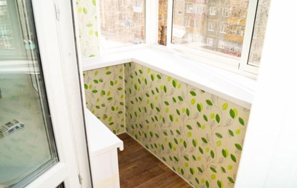 Отделка балкона с использованием пластиковых панелей