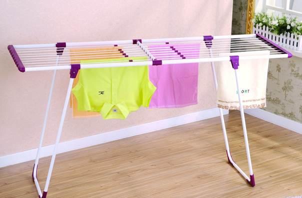 Как сушить белье на балконах – используем напольную конструкцию