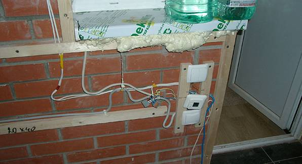 Обустройство электрики на балконе