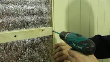 Процесс обшивки лоджии панелями