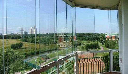 Безрамное панорамное остекление лоджии