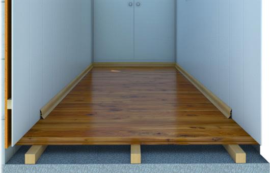 Чем отделать пол на балконе – деревянная доска