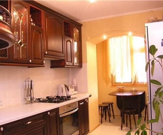 Дизайн маленького балкона, совмещенного с кухней