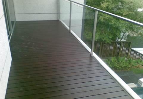Какой пол лучше сделать на балконах открытого типа - декинг