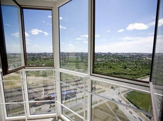 Панорамные окна на балконе из алюминиевого профиля