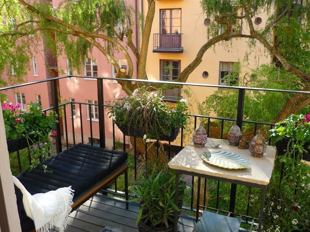 Внешний вид интерьера для балкона открытого типа