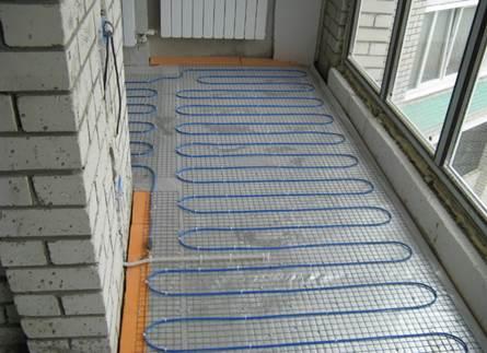 Вариант укладки электрического теплого пола на балконе
