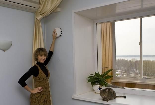 Клапан принудительной вентиляции для борьбы с сыростью и плесенью в квартире