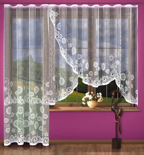 Красивые и удобные занавески на кухню с балконной дверью