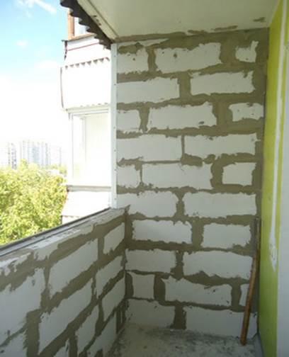 Усиление парапета на балконе газоблоками