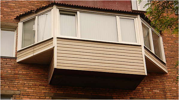 Вынос балкона по подоконнику «бабочка»