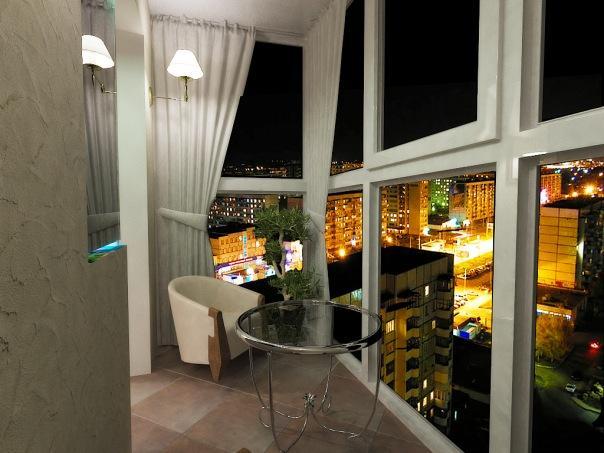 Стильный интерьер балкона