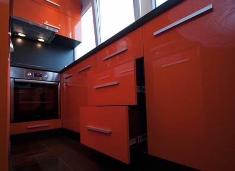 Решение для маленькой кухни с балконом